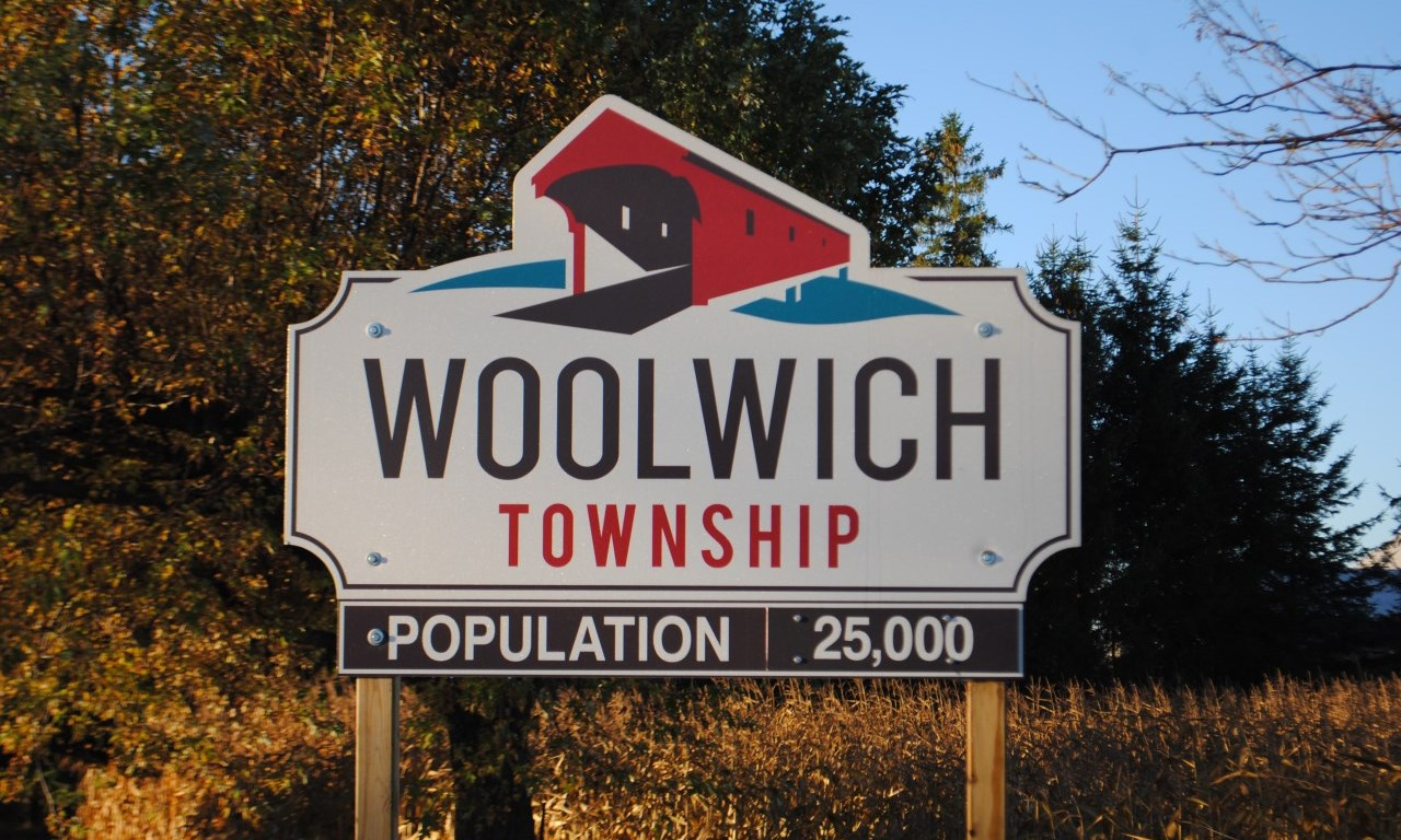 welcome to woolwich sign